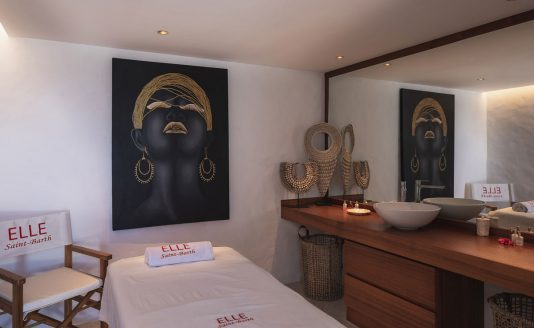 Elle-villa-massage-room-2